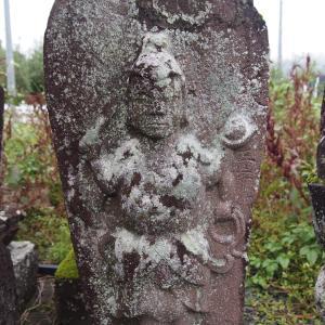 墓地の青面金剛(川場村)