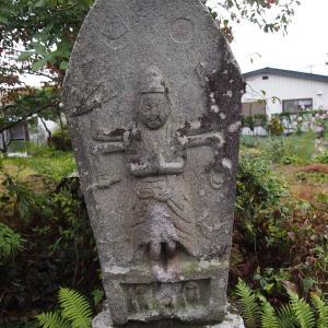 沼田市の青面金剛像に会った。