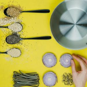 【Lesson3.スパイスの使い方】調理のいつの段階で使うか?スパイスカレーの各段階も。