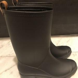異常気象に備え長靴購入。足攣り対策にも。