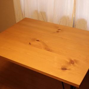 ジャストサイズの家具はCreema(クリーマ)で探すのがおすすめ。アイアン脚のカフェ風木製ダイニングテーブルを買いました。