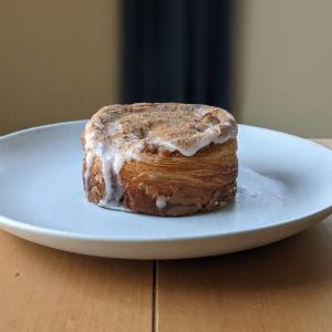 【狛江】セジュールの「シナモロール」が美味しかった!食べながら「かもめ食堂」でも見よっと