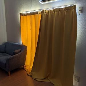 取り付けかんたん!どんなカーテンも遮光に変える「裏地ライナー」が良かった