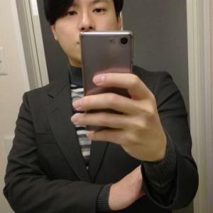 大人の男は私服にジャケットを着こなす。