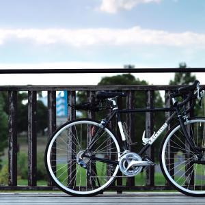 ロードバイクでロングライドに行けないとき、すぐ近くまで行って写真撮影。私の解決方法。