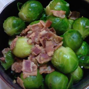 ベーコンと芽キャベツのスープ煮/Bacon & Brussels sprouts
