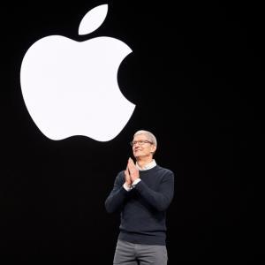 アップル新高値更新おめでとうございます!今から買っても遅くないのか?