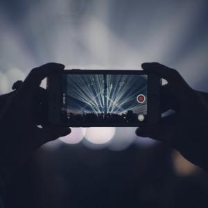 iCloudストレージでiPhoneのデータ不足を解消