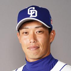 加藤翔平選手、打てないドラ打線に馴染んじゃったな。