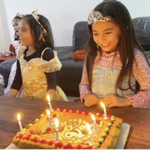 7人子どもの双子、お誕生日の思い出