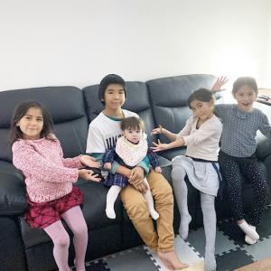 7人子どものお家にやってきた新しい家族と今日の夕食