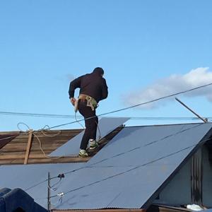 倉庫の屋根の張り替え