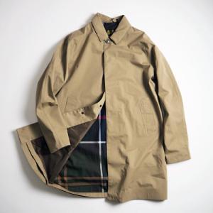 ジャケットの上にも羽織れる、ステンカラーコート BARBOUR LODEN JACKET/SAND