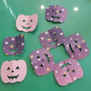 ハロウィンのかぼちゃ 折り紙の切り抜きで作れる!折り方切り方を紹介♪