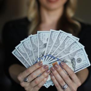 【男性育休】男性の育休取得によるお金のメリット!ボーナス支給月の月末に育休を取得し我が家は13万円得しました