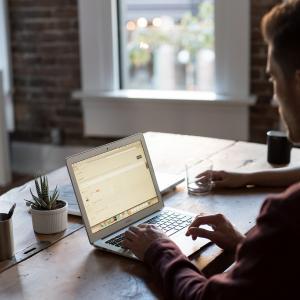 【ブログ運営報告】超初心者の開設3ヶ月のPV数、記事数、ユーザー数