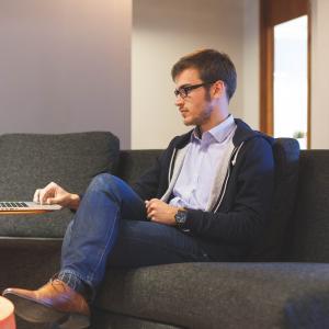 【僕がブログと仕事を両立できる理由】超初心者の「ブログ執筆法」公開します