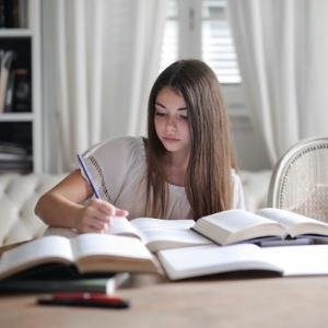 【コロナ禍で英会話を習得】今すぐ英語を勉強した方が良い3つの理由