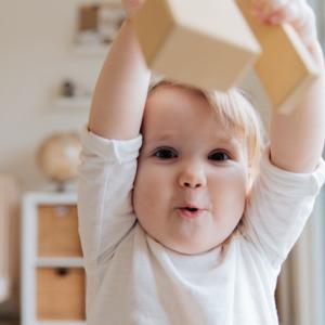 【10ヵ月の赤ちゃんが英語を理解した】日本人夫婦の英語教育とは?