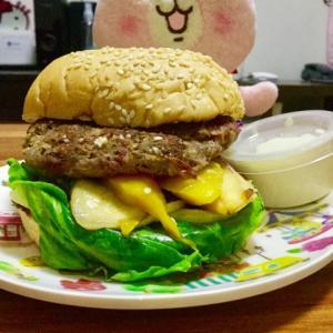 セブのDIET IN A BOXは、ダイエット弁当なのにボリュームのあるハンバーガーまで出て来るΣ(・ω・ノ)ノ!