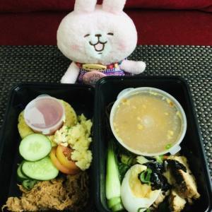 セブのデリバリーのダイエット弁当DIET IN A BOX~9月24日のお弁当~日本人の常識を覆すメニューが登場Σ(・ω・ノ)ノ!