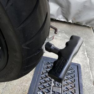 原付二種スクーターのタイヤパンク修理