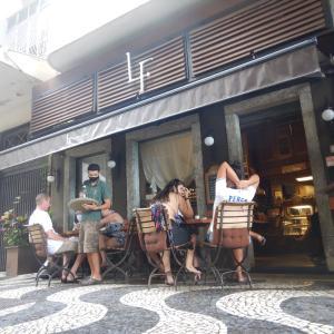 リオデジャネイロ、コパカバーナのノマドカフェ紹介 vol.1『LF  Cafe & Bistro』