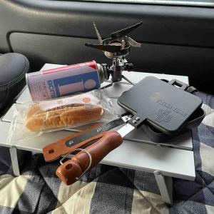 車中ホットサンドでホットドッグ焼いてみた。!