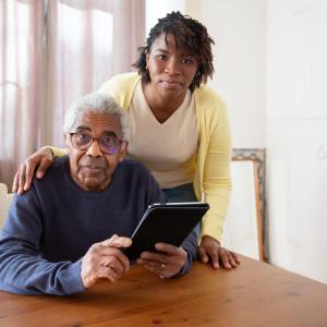 親を老人ホームに預ける適切な時期はいつなのか?【在宅介護の限界を迎える前に】