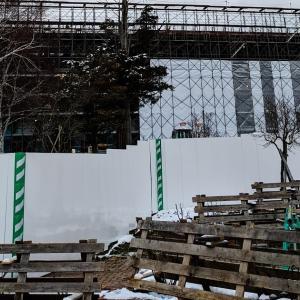 岩見沢市役所の建て替え工事をしています