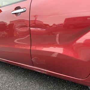 ドアの傷凹みは交換ではなく修理の出来る修理屋さんだとこうなる!