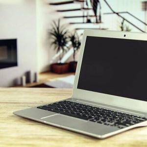 ブログ用パソコンは安いのでいい【基本的なスペックでOK】