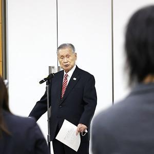 IOCはなぜ森会長発言に手のひらを返したのか