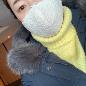 黄色いセーター