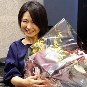 熟女:SOD女子社員綾瀬麻衣子48歳。SOD退社記念。合計33発!人生で最大の大量中出し解禁。社内外で大人気の本物人妻社員が25名の男たちに種付けされてイキ狂った集大成:セクシー画像集