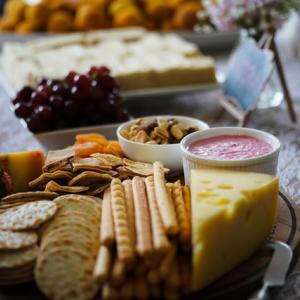 チーズの世界へようこそ ただのチーズ好きからの脱却。チーズとは何か?チーズにはどんな種類があるを知ろう。