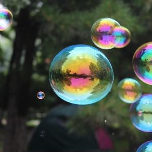 バブルが発生する理由は?過熱相場の原因をわかりやすく説明する