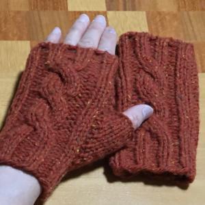 バッグ編み始めとハンドウォーマー