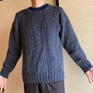 ダンナのセーター、着画撮ってタンスの中の衣替え