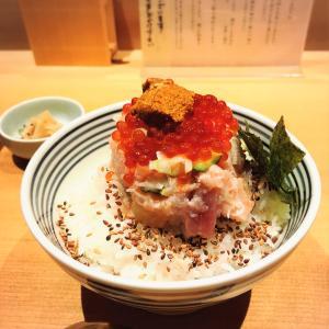 【つじ半 日本橋】 海鮮ぜいたく丼を食べるなら平日の夜が穴場