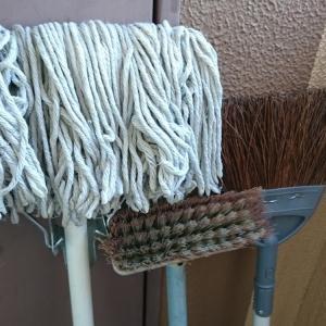 掃除のアルバイトという嘘ついて同情を引くな
