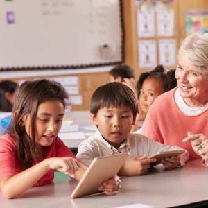 アメリカの学校に通う子どもが、ELLから抜けるには?