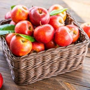 【シミ対策】美肌づくりにおすすめ・最強の抗酸化スムージー!《りんご・ベリー・トマト》