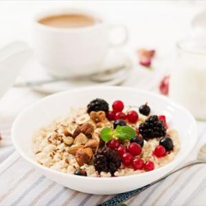 美肌と健康に、おすすめ【業務スーパーのオートミール】で簡単・朝食・おしゃれな『オーバーナイトオーツ』試して見た!