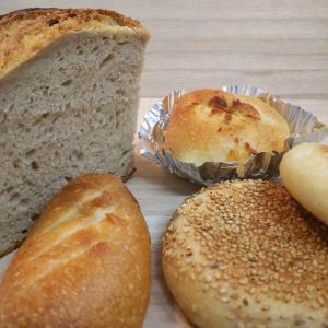 森の中のパン屋ヒュッテ。。まるで童話に出てくるパン屋さん