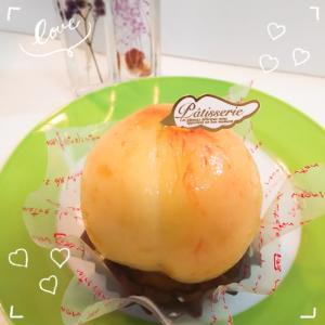 「ガトールブラン」のまるごと桃タルト&台湾カステラサンド