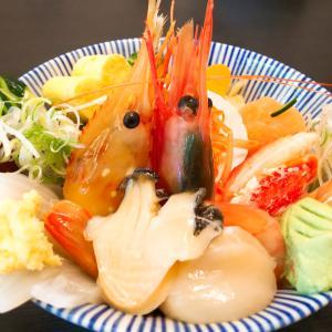桔梗「すし屋のよいしょ」の華やか海鮮丼は期間限定です!