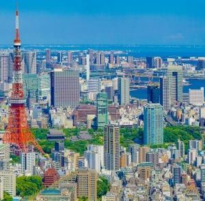 東京23区の不動産価格と平均年収の関係 統計データをもとに分析