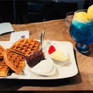 gion(阿佐ヶ谷) ~ブランコに揺られながら大きなクリームソーダを楽しめるお店~