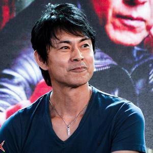 倉田てつをがトラブル続出!仮面ライダーブラックの正体はマジのブラックだった。。